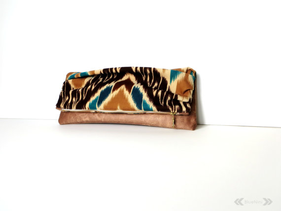 Clutch by BlueNini
